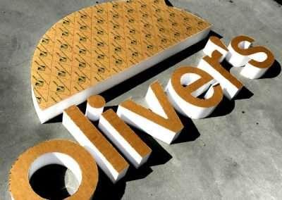 Olivers 2 EDIT RESIZED 600 x 550